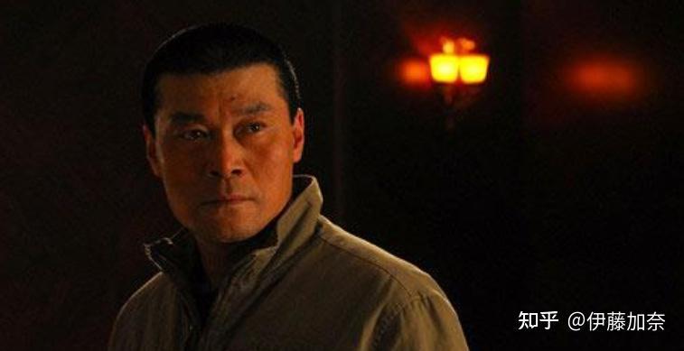 另外,赵恒煊其实也演过不少正面人物,像《盗火线》中的抗日营长祝新华