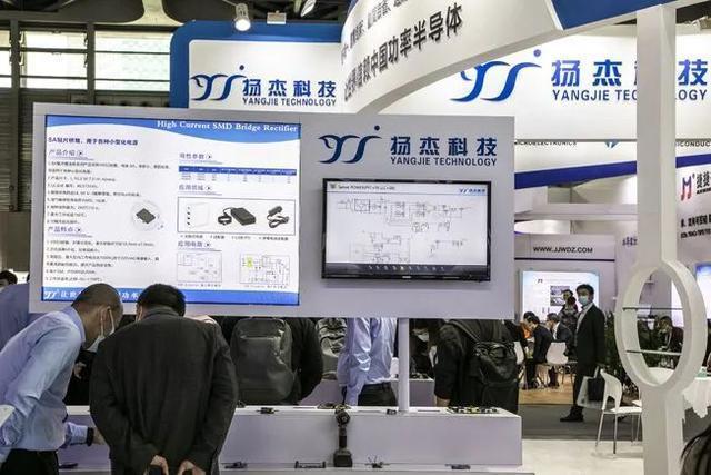 业绩连续高增的出炉晶硅设备龙头,掌握半导体单晶硅生长炉制备