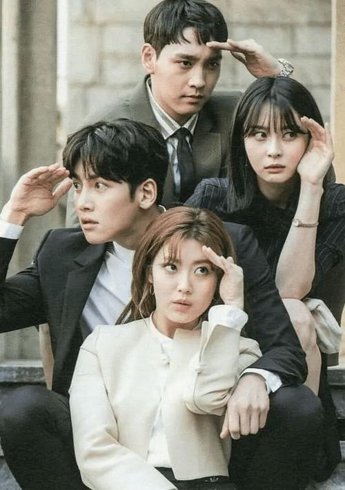 10岁开始崔泰俊就在演戏,曾经在sbs爱情电视剧《钢琴别恋》中出演儿役