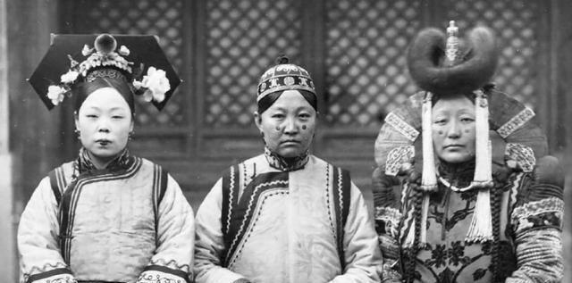清朝格格王敏彤,癡戀表姐夫溥儀,終身未嫁,活到2003年孤獨終老