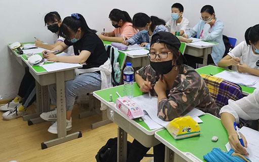 天津市高三全日制补课机构智优学校氛围浓郁