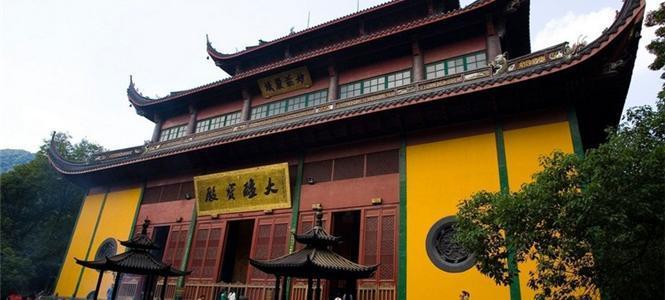 西湖区旅游哪里好_去杭州旅游住西湖区还是上城区好?
