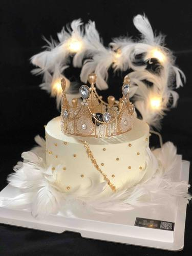 羽毛皇冠款白色女王蛋糕